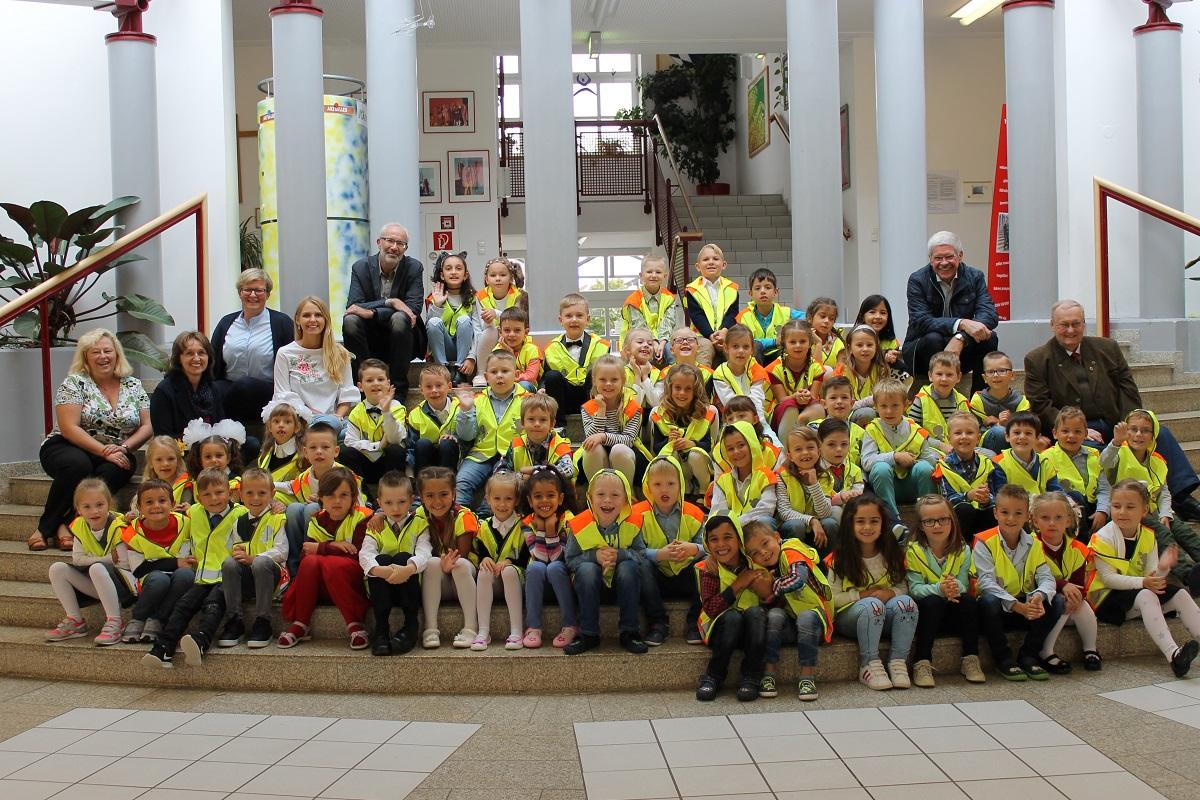 Erster Schultag für die Abc-Schützen - Grundschule St. Josef, Dingolfing